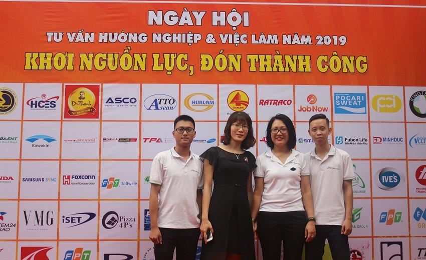 ngay-hoi-huong-nghiep-va-viec-lam-nam-2019-khoi-nguon-luc-don-thanh-cong-10