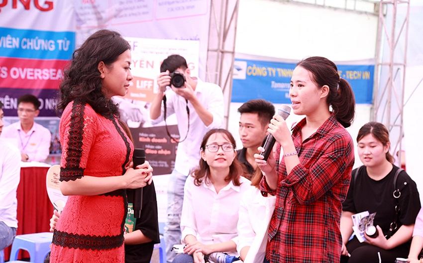 ngay-hoi-huong-nghiep-va-viec-lam-nam-2019-khoi-nguon-luc-don-thanh-cong-11