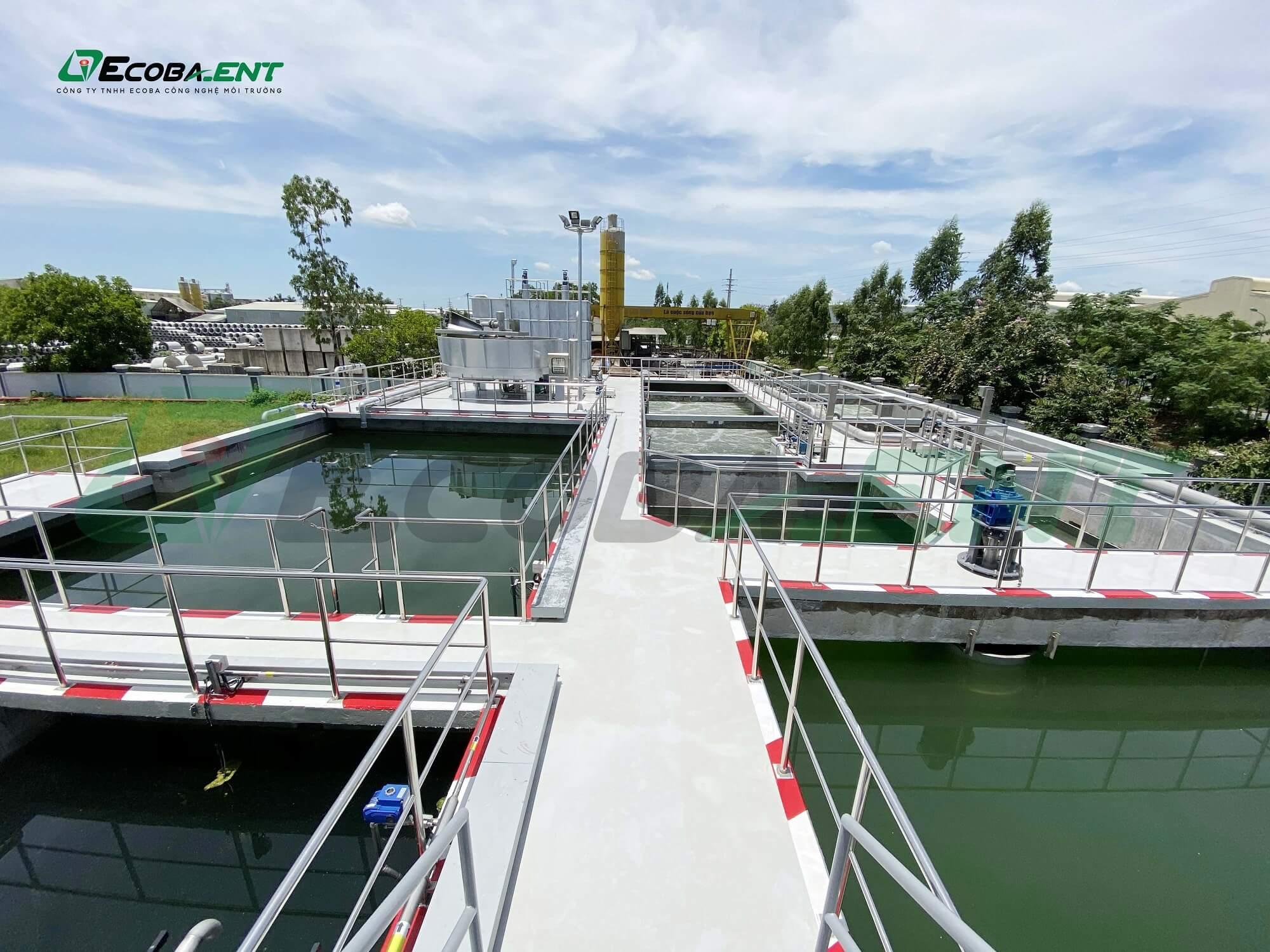 Quy trình xử lý nước thải phổ biến thường trải qua 3 giai đoạn chính đó là sơ bộ, sinh học và nâng cao